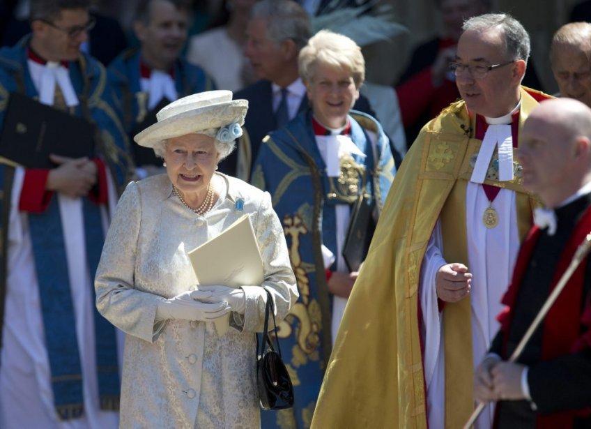 Après les somptueuses festivités du jubilé de diamant en 2012, le Royaume-Uni a fêté plus sobrement le 60e anniversaire du couronnement de la doyenne des têtes couronnées d'Europe. | 4 juin 2013