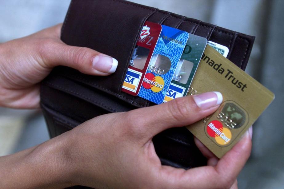 Les limites des cartes de crédit ont augmenté... (PHOTO ARCHIVES LA PRESSE CANADIENNE)