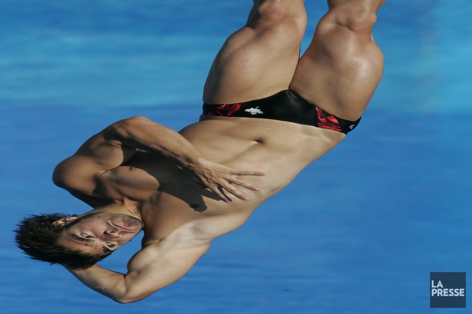 En remportant l'or au tremplin de 1 m et de 3 m lors des Championnats du monde de la FINA à Montréal en 2005, Alexandre Despatie devient le premier plongeur à être champion du monde dans les trois catégories de plongeon (1 m, 3 m et 10 m). | 4 juin 2013
