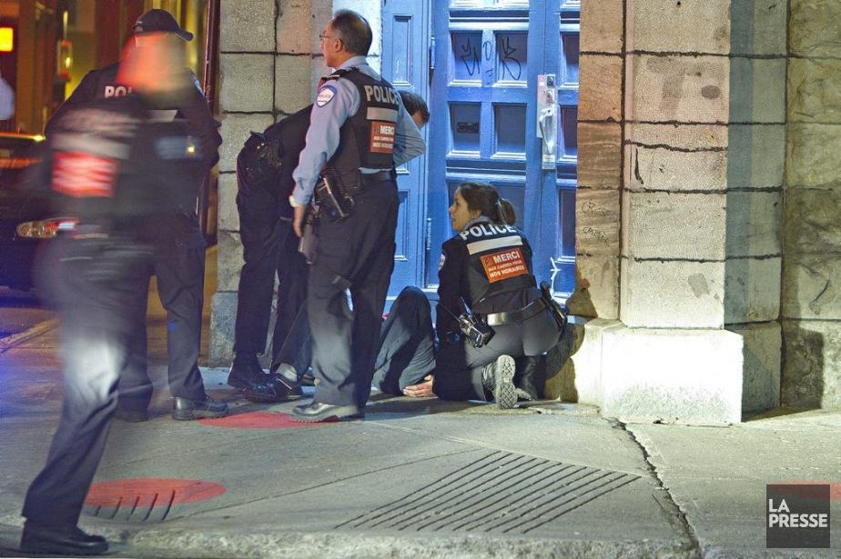 Un jeune homme a été poignardé au haut... (Photo Félix-Olivier Jacques Fournier, collaboration spéciale)
