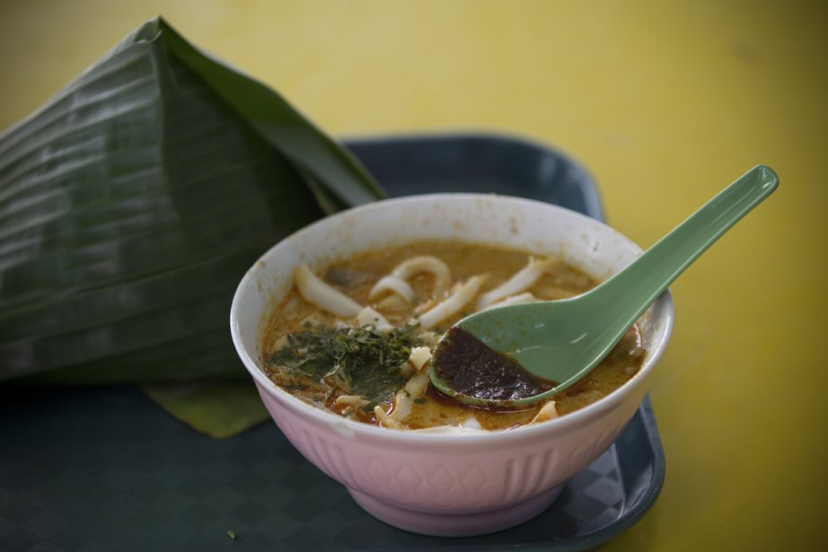 Sungei Road Laksa est un comptoir ouvert en 1956 où l'on peut manger un bol de laksa, soupe traditionnelle indonésienne. | 5 juin 2013