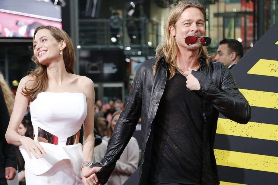 Depuis quelques jours, Angelina Jolie foule les tapis rouges du long métrage World War Z qui met en vedette son fiancé, Brad Pitt. (Photo: AP)
