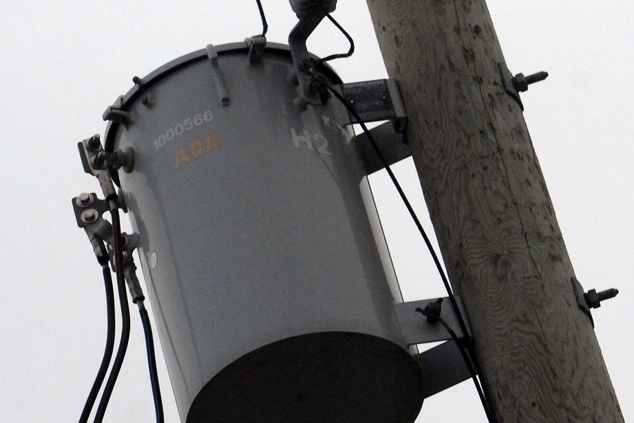 Un ouvrier a été brûlé par électrisation mercredi... (Photo : archives La presse)