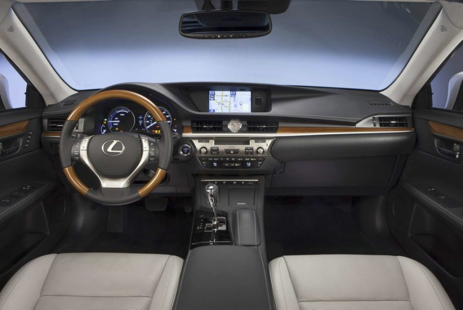 Ordinateur de bord D'une simplicité inouïe et d'une efficacité encore inégalée: la petite souris de Lexus, celle-ci permet de navigueur aisément dans les menus et sous-menus de l'ordinateur de bord. (PHOTO FOURNIE PAR LEXUS)