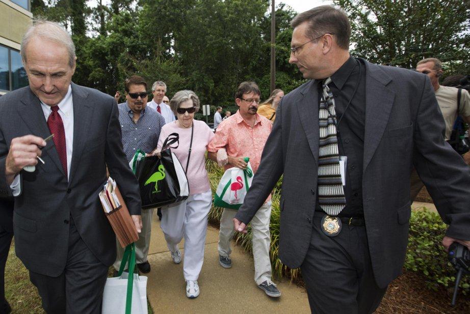 La gagnante du gros lot de 590 millions $ à la... (PHOTO COLIN HACKLEY, REUTERS)