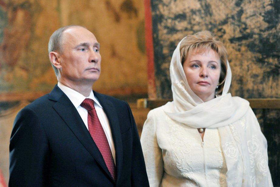Le président Vladimir Poutine et la Première dame... (PHOTO ALEXEI NIKOLSKY, ARCHIVES AP/RIA-NOVOSTI)