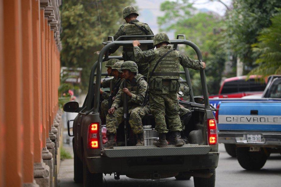 L'armée mexicaine a libéré 165 migrants qui étaient... (PHOTO ALFREDO ESTRELLA, AFP)