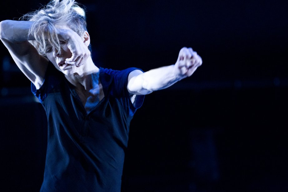 La danseuse Louise Lecavalier signe So Blue.... (PHOTO FOURNIE PAR LA PRODUCTION)