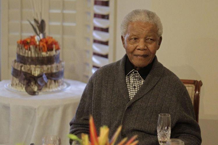 Nelson Mandela... (PHOTO AP)