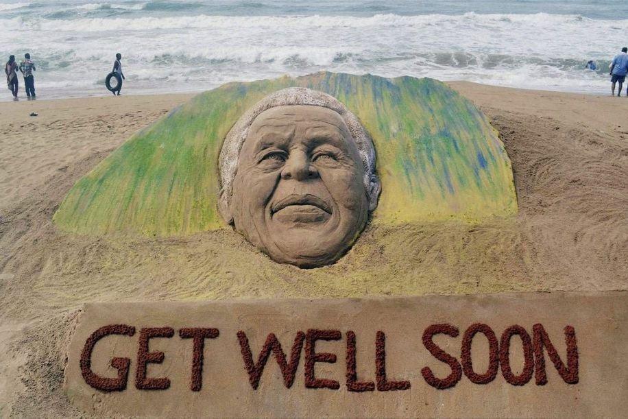 Nelson Mandela, bien que totalement retiré de la... (Photo: AP)