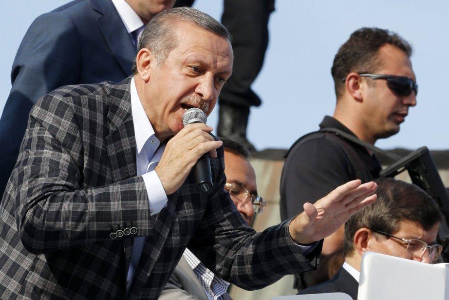 Le premier ministre Erdogan, qui jusqu'ici se voulait... (PHOTO UMIT BEKTAS, REUTERS)