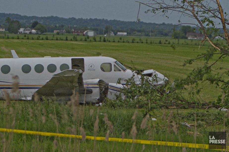 L'avion s'est écrasé sur le terrain d'un poste... (Félix O.J. Fournier, collaboration spéciale)