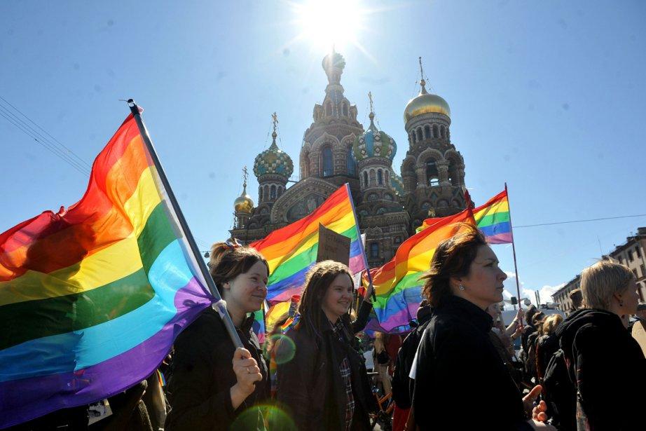 Plusieurs militants homosexuels étrangers se rendent régulièrement en... (PHOTO OLGA MALTSEVA, AFP)