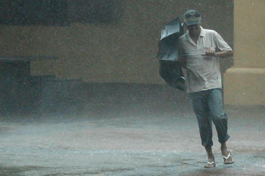 Le Centre de gestion des catastrophes a annoncé... (PHOTO DINUKA LIYANAWATTE, ARCHIVES AFP)