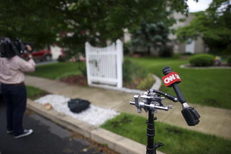 Des médias américains, dont CNN, faisaient le pied... (Photo: Reuters)