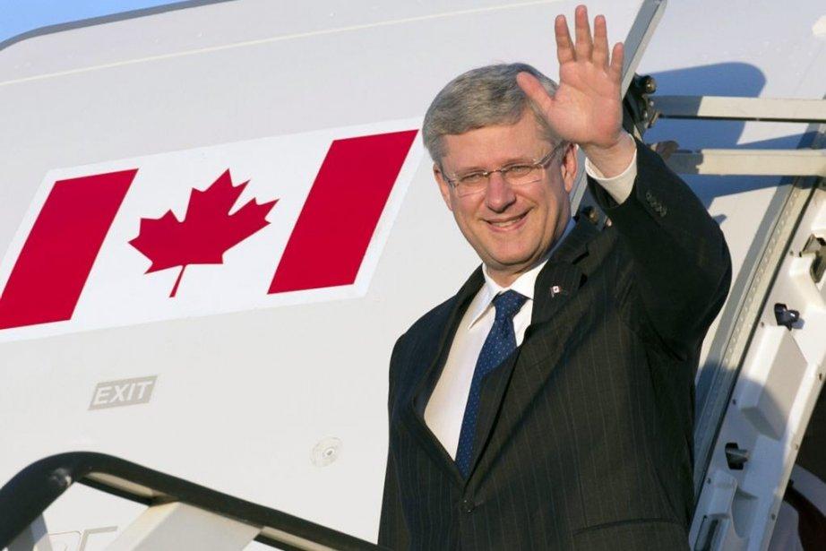Stephen Harper à son arrivée à Londres.... (Photo La Presse Canadienne)