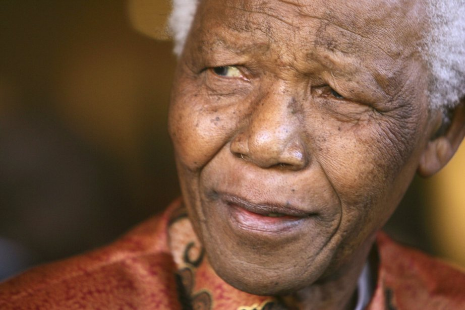 L'icône sud-africaine Nelson Mandela.... (PHOTO MIKE HUTCHINGS, ARCHIVES REUTERS)