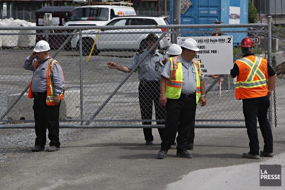 Les 1000 travailleurs du chantier ont été évacués... (Photo Patrick Sanfaçon, La Presse)