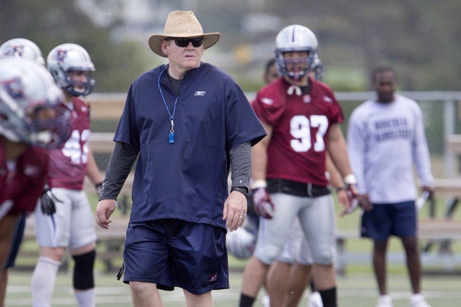 Le'entraîneur-chef des Alouettes, Dan Hawkins.... (Photo Robert Skinner, La Presse)