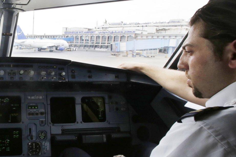 Il s'agit d'une rare attaque contre l'aéroport depuis... (PHOTO JOSEPH EID, ARCHIVES AFP)