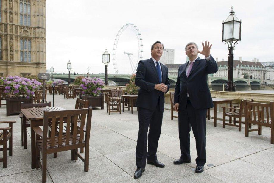 Stephen Harper était de passage à Londres, hier,... (Photo Leon Neal, Reuters)