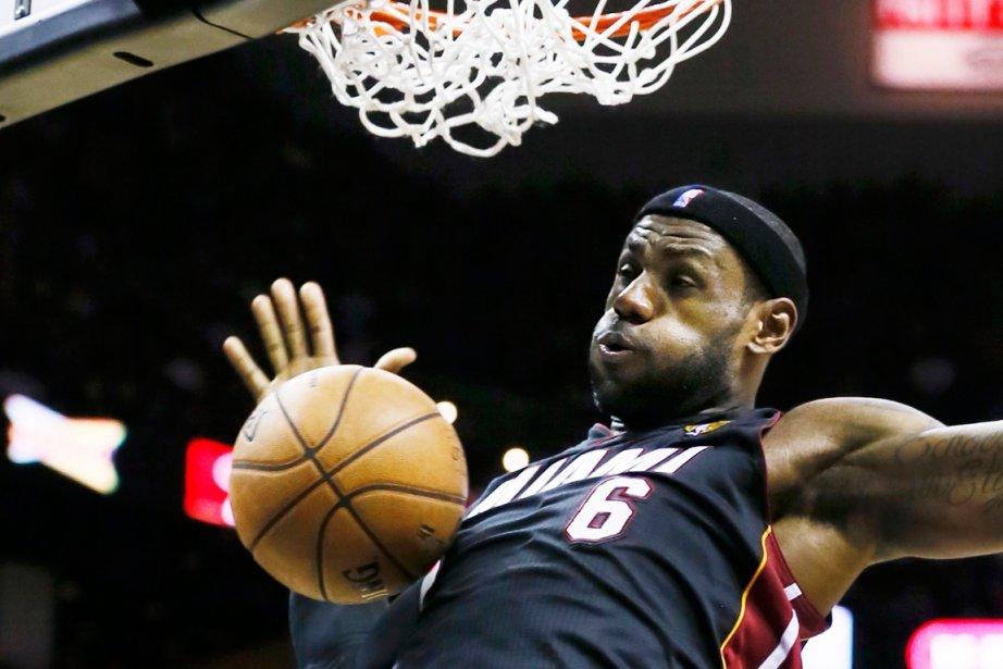 LeBron James... (Photo Lucy Nicholson, Reuters)