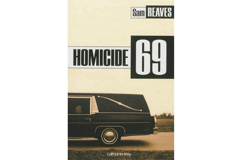 À Chicago, en 1969, l'inspecteur Michael Dooley, héros d'Homicide 69,...