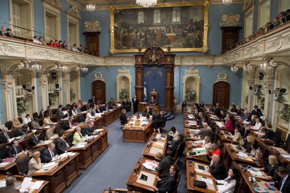 Le Salon Bleude l'Assemblée nationale où siègent les... (Photo archives La Presse Canadienne)