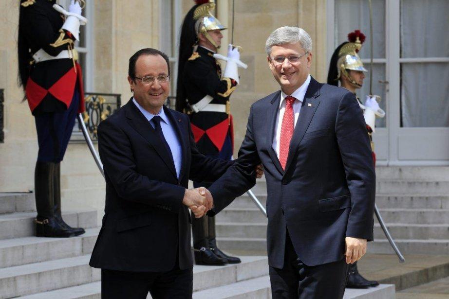Le président français François Hollande, qui s'est entretenu... (Photo Rémy de la Mauvinière, AP)
