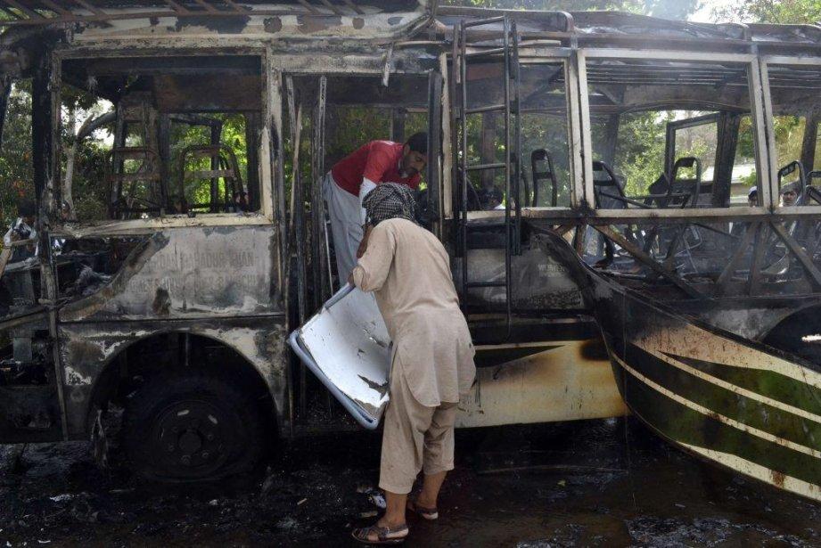 Le groupe sunnite Lashkar-e-Jhangvi (LeJ), qui a fait... (PHOTO NASEER AHMED, REUTERS)