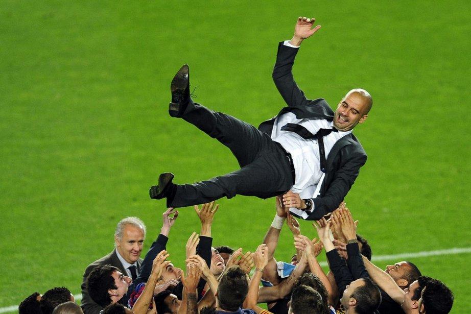 Pep Guardiola a remporté 14 trophées en quatre... (Photo : Manu Fernandez, AP)