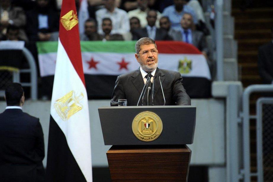 Le président issu des Frères musulmans a déclaré... (PHOTO AP)