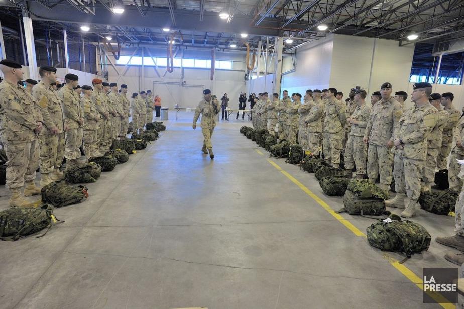 Plusieurs unités et régiments vendent des boissons alcoolisées... (Photo fournie par l'armée canadienne)
