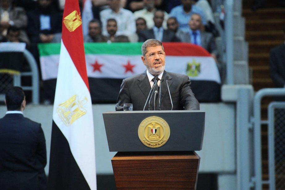 Le président Mohammed Morsia notamment remplacé les gouverneurs... (PHOTO AFP/PRÉSIDENCE ÉGYPTIENNE)