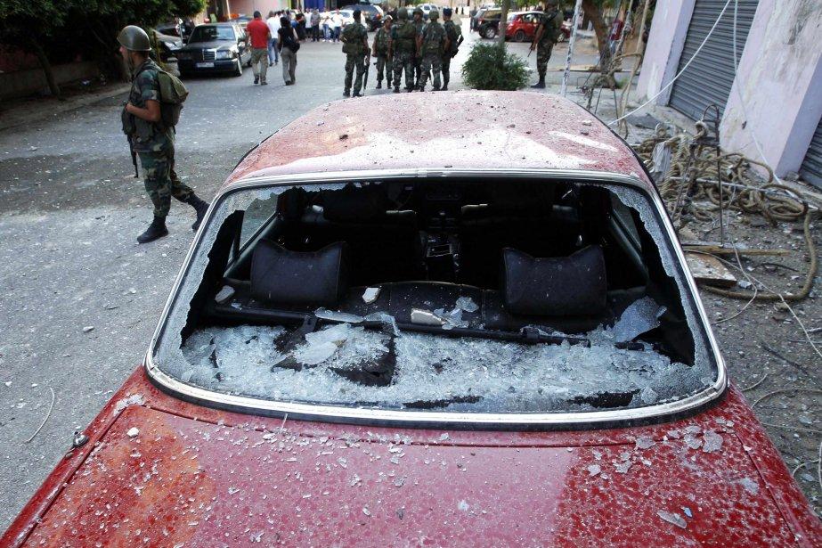 Des fusils automatiques et des grenades propulsées par... (Photo Ali Hashisho, Reuters)