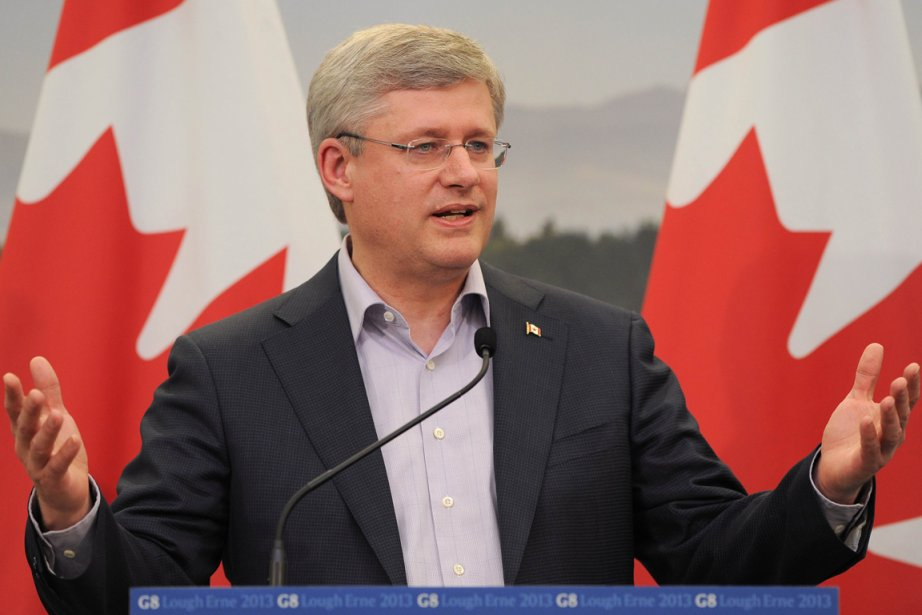 Stephen Harper au G8.... (Photo Ben Stansall, AFP)