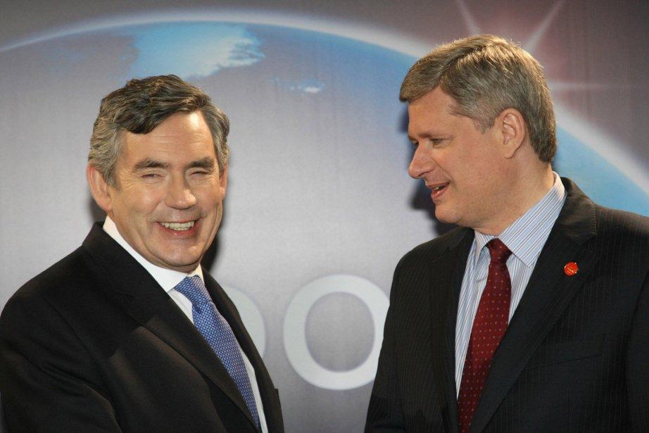 Gordon Brown et Stephen Harper lors du G20... (Photo Vladimir Rodionov)