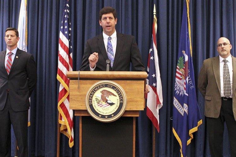 Le procureur général de l'Ohio Steven Dettelbach en... (Photo: Reuters)
