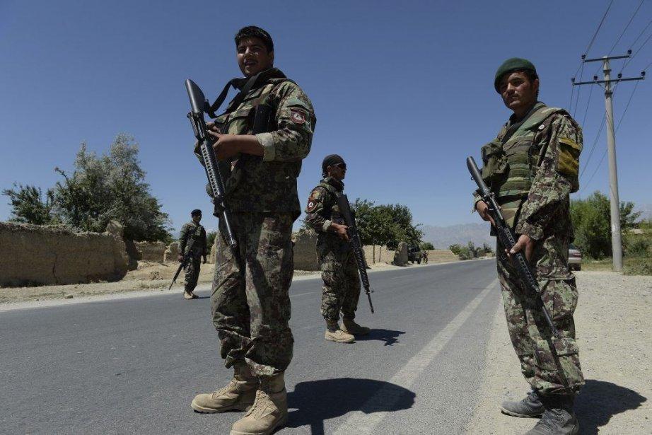 Des soldats de l'Armée nationale afghane.... (PHOTO SHAH MARAI, AFP)