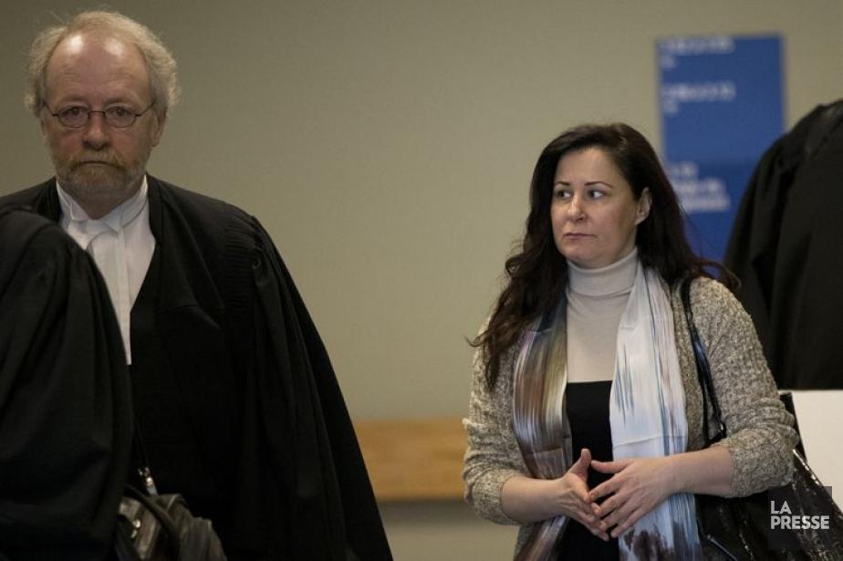 L'avocat de la défense Pierre Poupart en compagnie... (Photo David Boily, Archives La Presse)