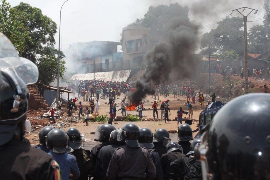 Guinée: 12 blessés dans des heurts entre militants et policiers