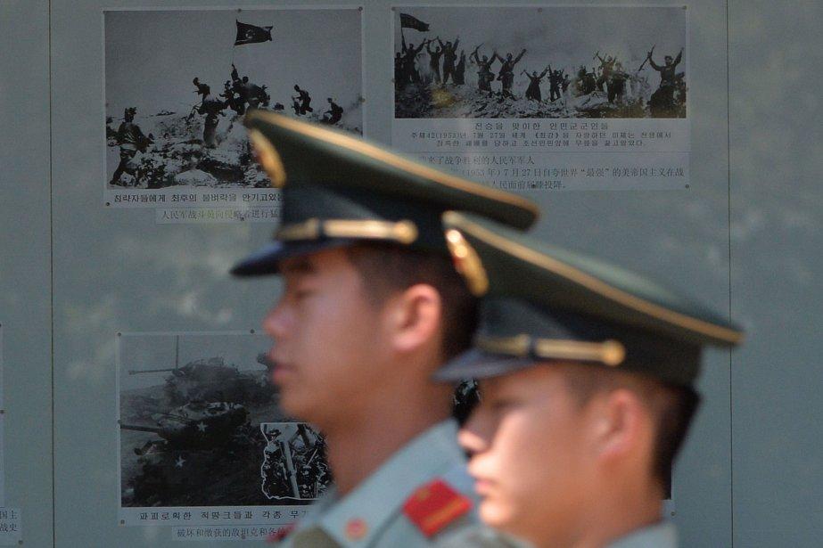 Des officiers chinois surveillaient l'ambassade de la Corée... (PHOTO MARK RALSTON, AFP)