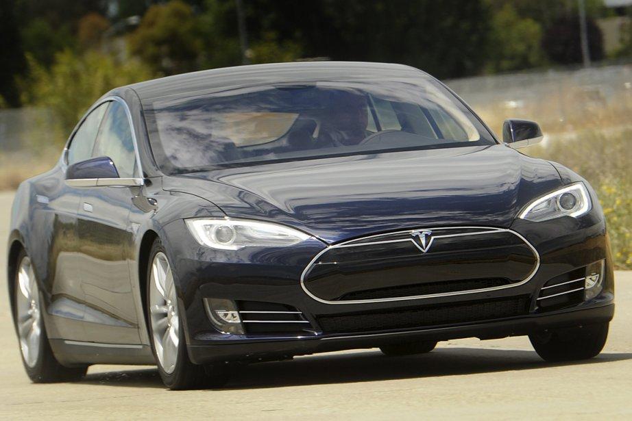 Le petit constructeur américain de voitures électriques haut... (Photo Reuters)