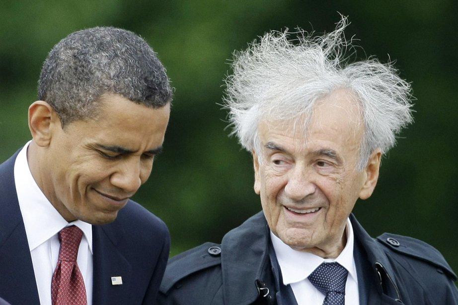 Barack Obama (à gauche) et Eli Wieselsont devenus... (PHOTO KAI PFAFFENBACH, ARCHIVES REUTERS)