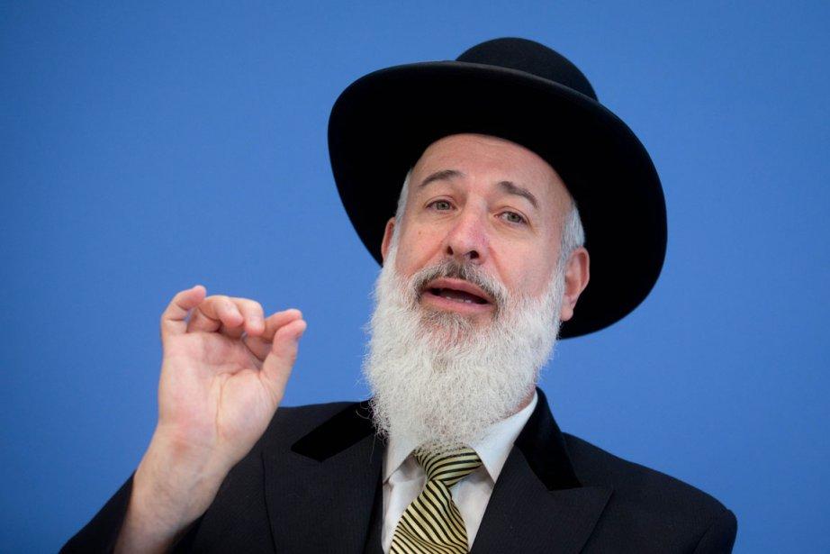 Le rabbin Yona Metzger doit répondre de soupçons... (PHOTO KAY NIETFELD, ARCHIVES AFP)