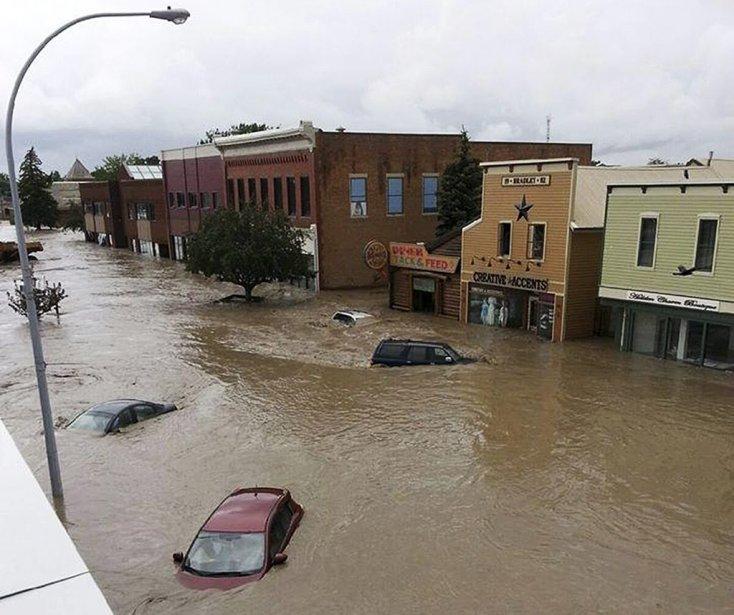 Le centre de High River sous les eaux. | 21 juin 2013