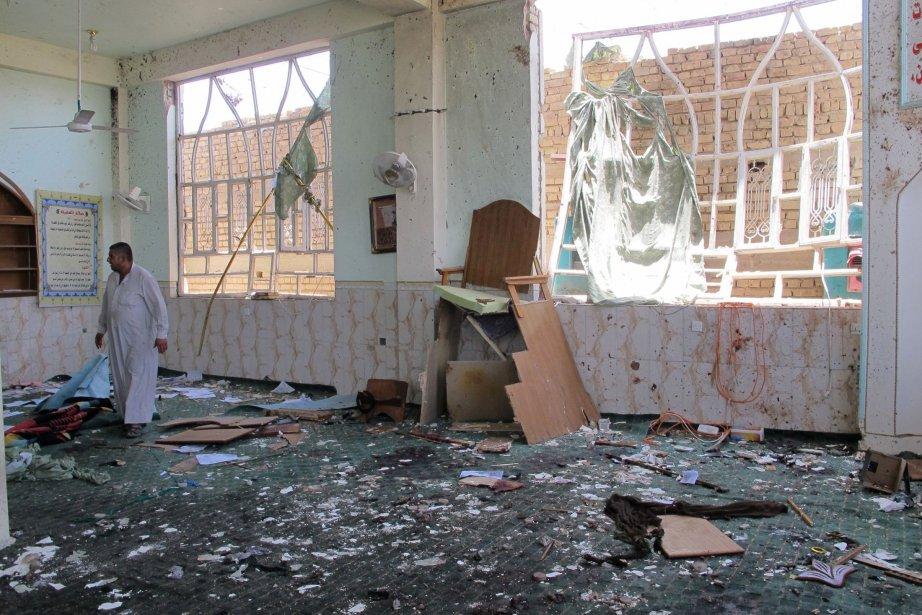 Un attentat est survenu dans une mosquée chiite.... (PHOTO REUTERS)