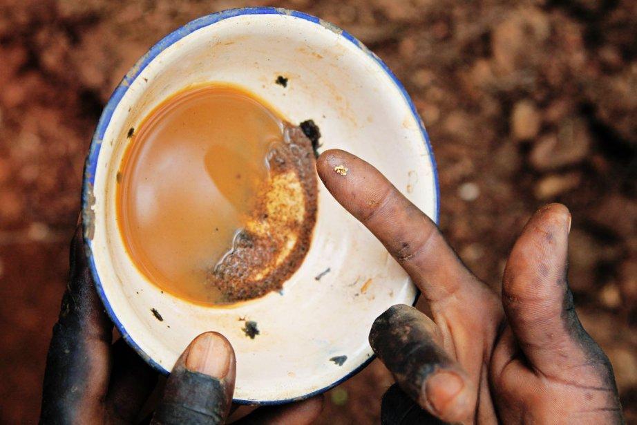 Le secteur minier revêt une importance cruciale en... (PHOTO HANNAH MCNEISH, ARCHIVES AFP)