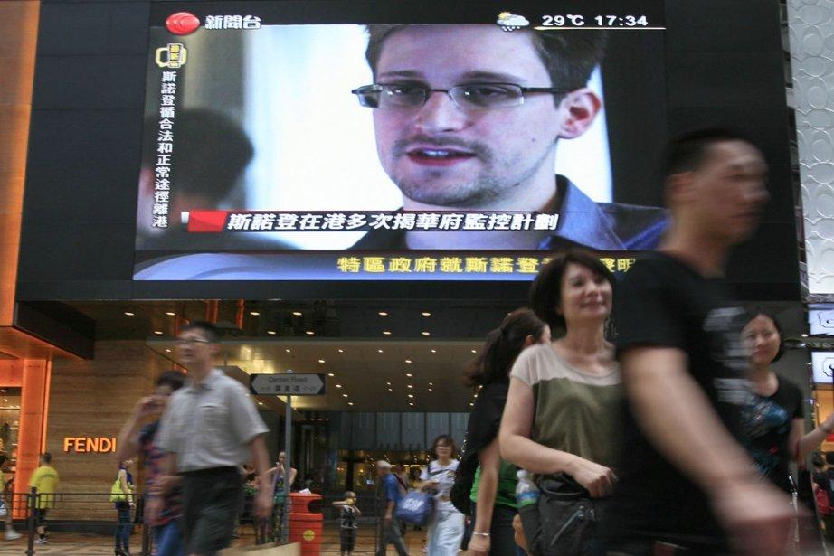 Où se trouve Edward Snowden? Sa cavale captive... (PHOTO VINCENT YU, AP)