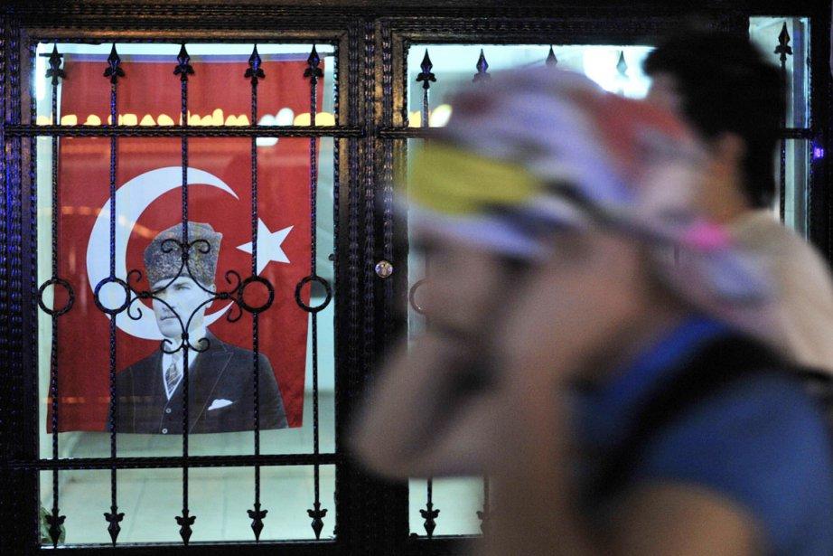Le processus de négociations engagé avec la Turquie... (PHOTO OZAN KOSE, AFP)